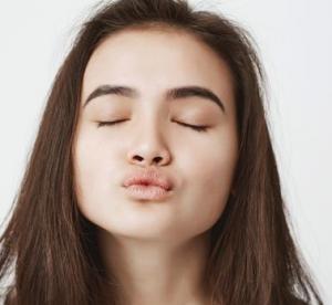Gaya Ciuman ala Kama